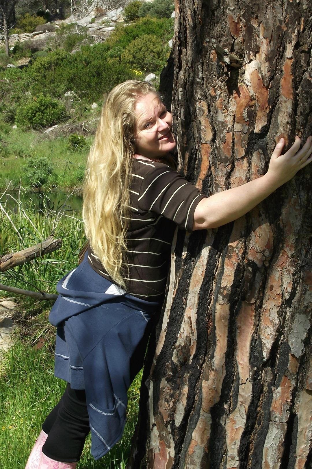 Cherie Roe Dirksen - Official Tree Hugger